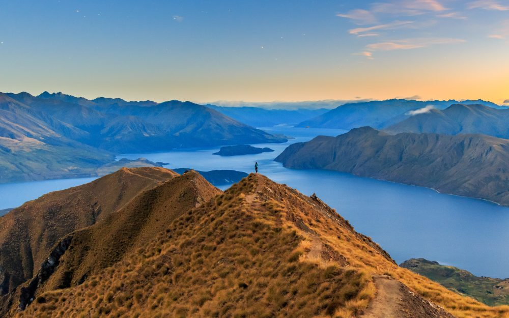 Ultimate Guide To Roys Peak: The Best Views in New Zealand